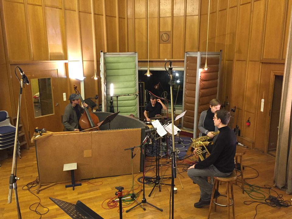 Aufnahmesaal im Funkhaus Berlin mit Musikern